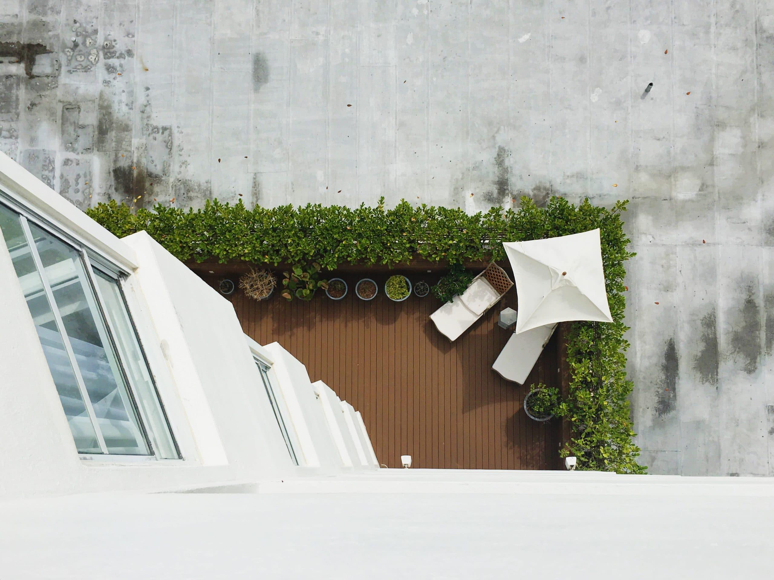 Comment Cacher Sa Terrasse balcon, terrasse, jardin : nos conseils pour bien les estimer